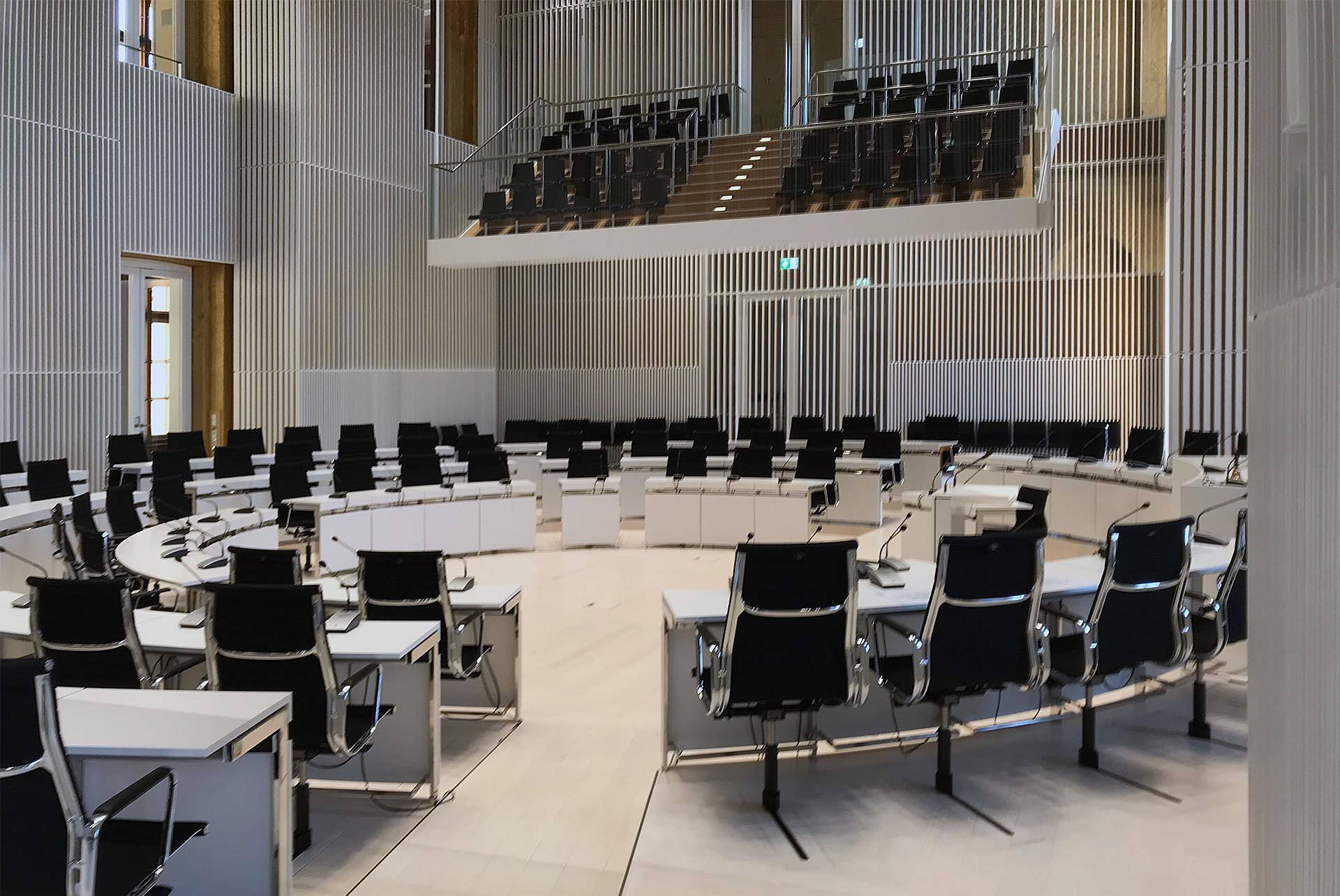 DE-Schwerin-Landtag-PS-09