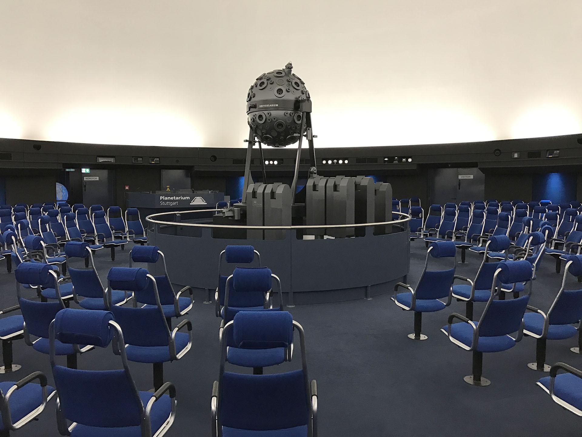 DE Stuttgart Planetarium 93 web