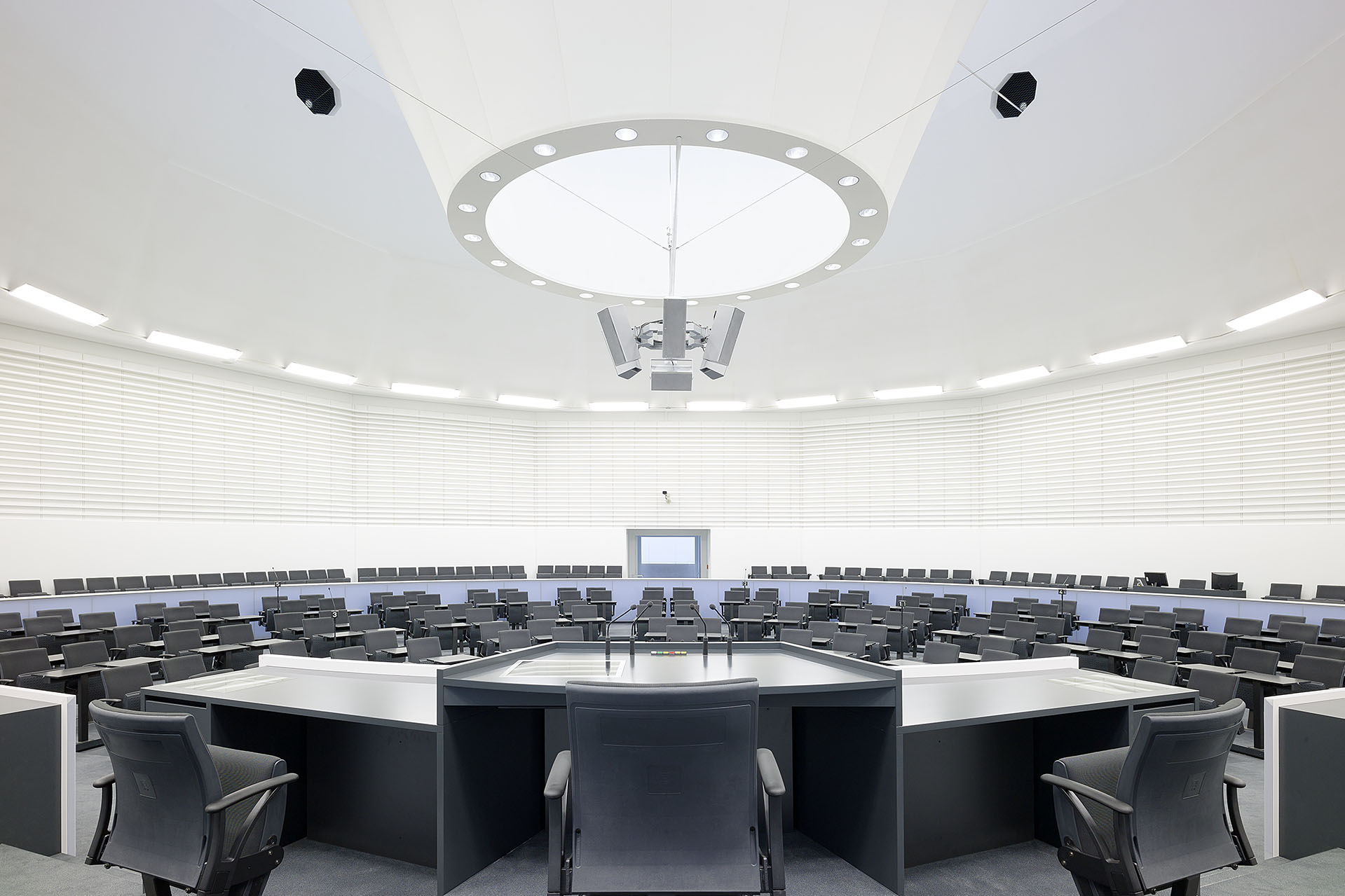 DE Stuttgart Landtag BG 3 web