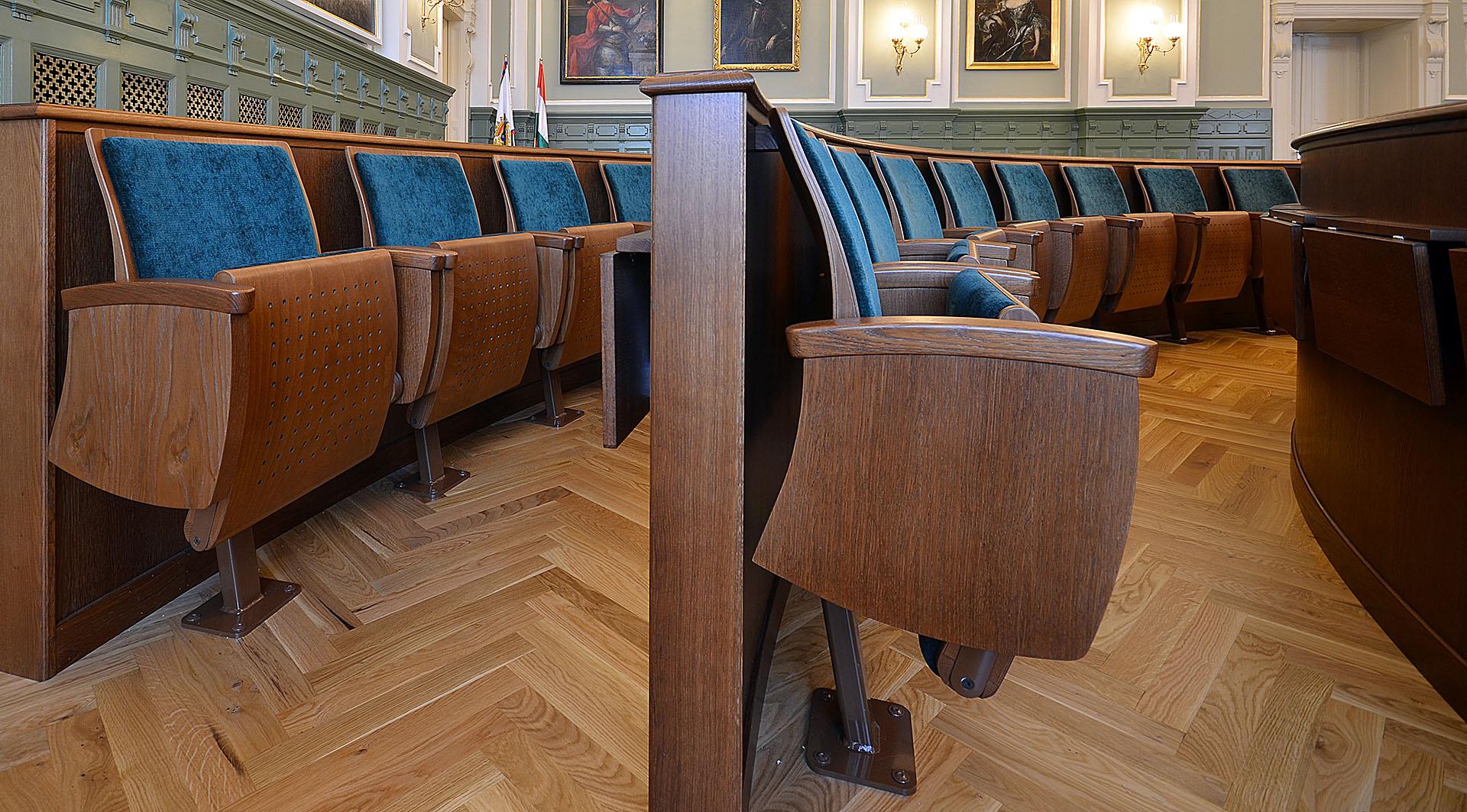 HU Györ Rathaus Festsaal 05 web