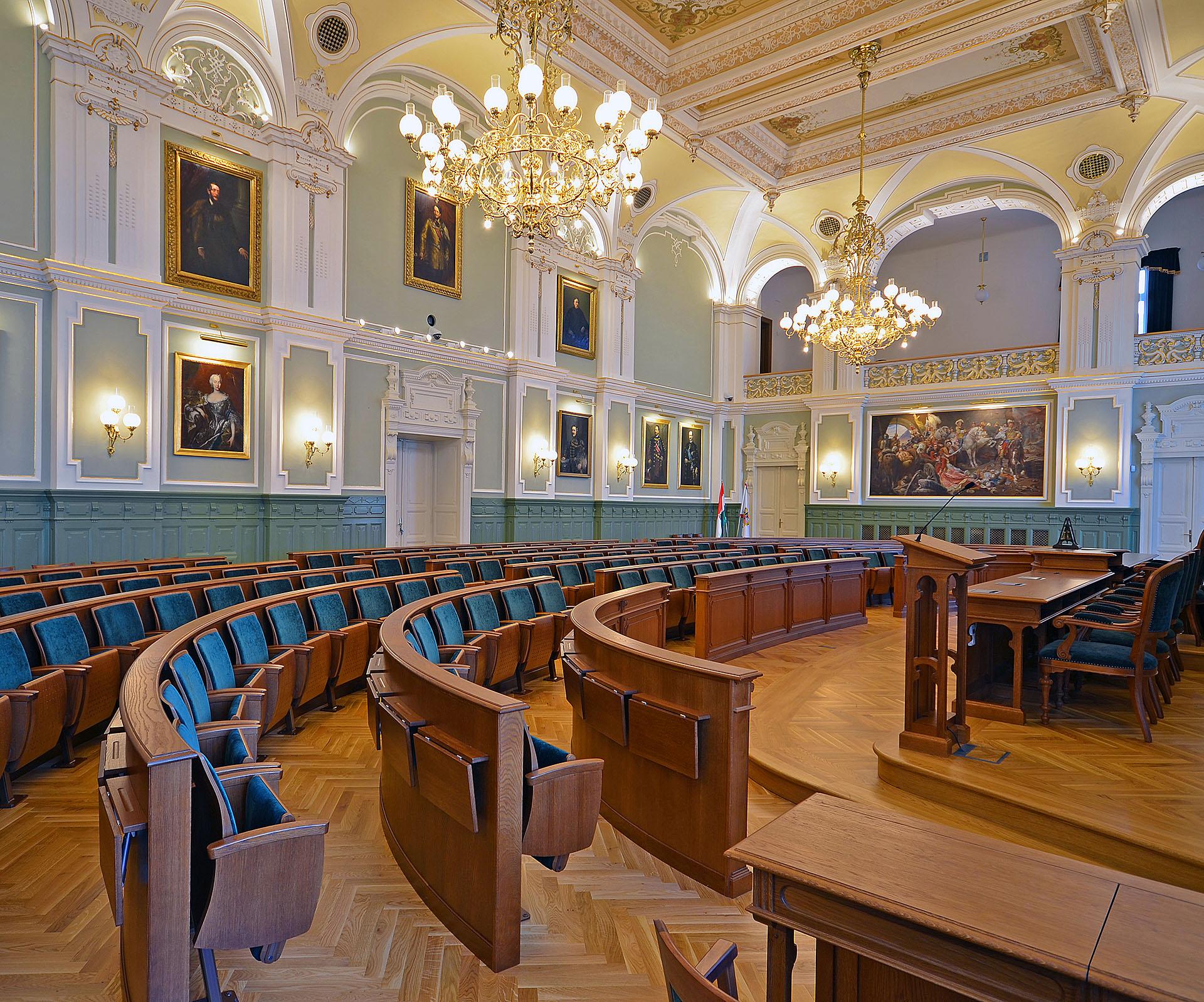 HU Györ Rathaus Festsaal 10 web